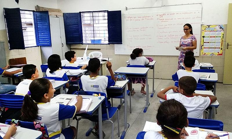 53f5c3275743139c70e63b2f489973a3 - A herança de Weintraub na Educação: Bolsonaro nomeia olavistas e conservadores ao CNE