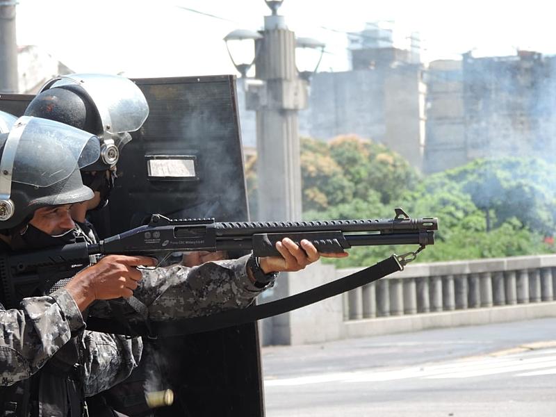 Abordagem aconteceu nas proximidades na Ponte Duarte Coelho, no Centro do Recife