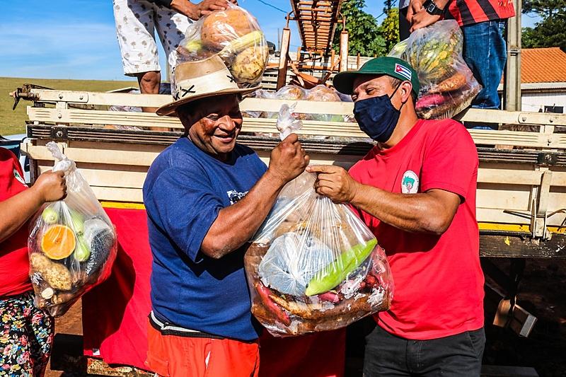 Alimentos serão distribuídos pelos 21 Bancos de Alimentos da Capital e da sua Região Metropolitana